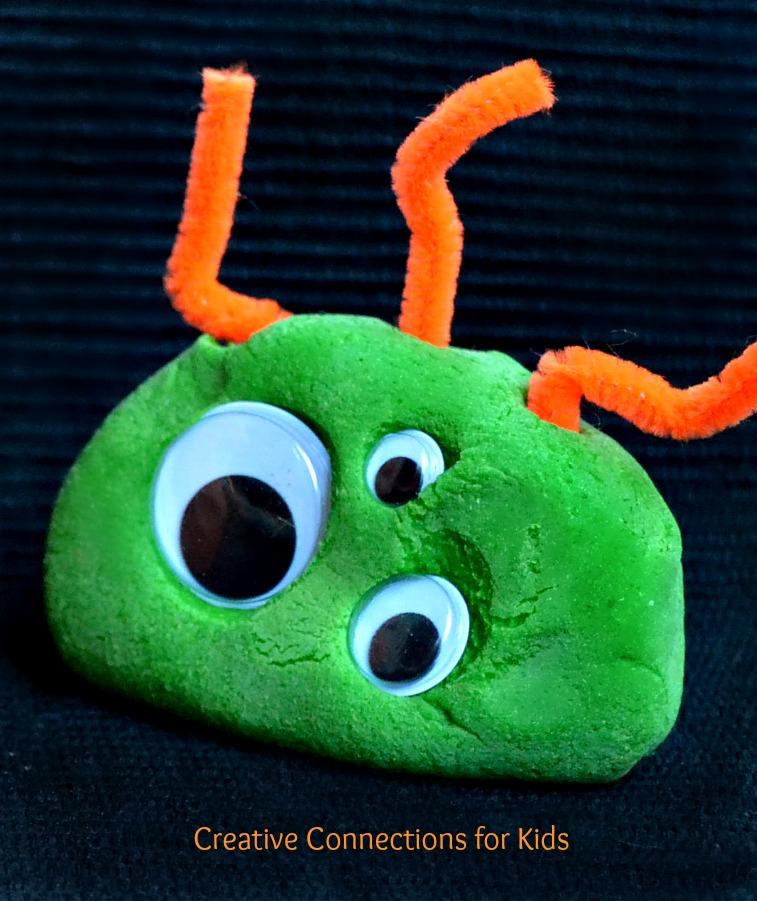 将彩泥做成各种小动物,小玩偶可是它最擅长的事情,不管是平面的还是