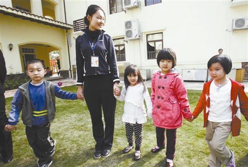 《幼儿园小班第一学期班务总结》范文