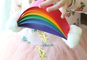 简单小彩虹和下彩色雨的小白云吊饰