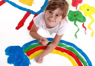 幼儿画画其实是玩,是发泄,是游戏,是创造
