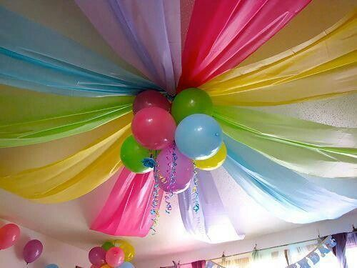 2-party-decorations-with-balloons-13