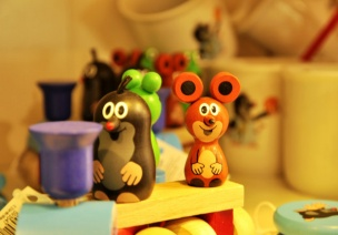 大班音乐游戏教案:快乐的小鼹鼠