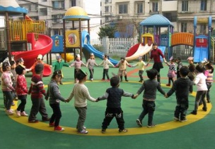 小班音乐游戏活动:拉个圆圈走走
