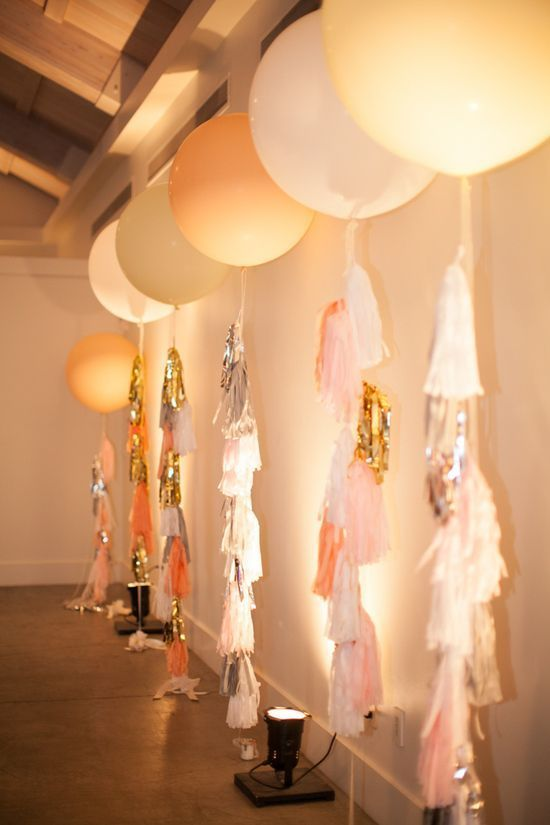 4-party-decorations-with-balloons-9