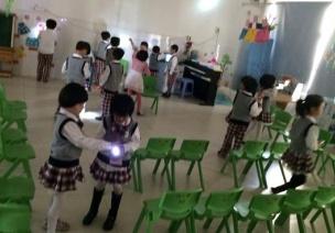 幼兒園大班科學:光和影子