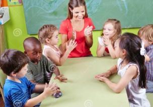 让每个孩子都感受到老师对自己的关注