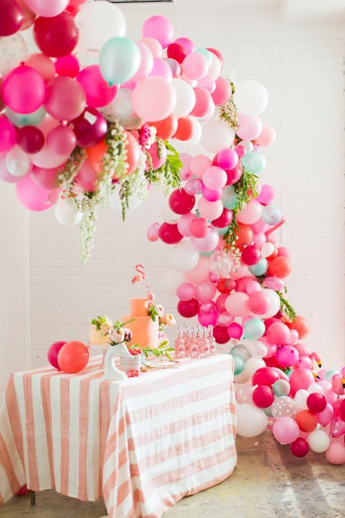3-party-decorations-with-balloons-10
