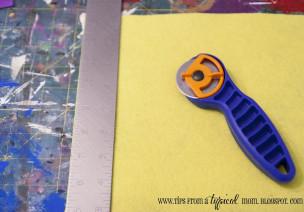 巧手区投放材料:毡纽扣链-精细运动练习