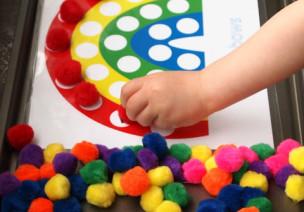 数学区投放材料:颜色分类板(国外)