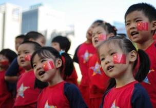 幼儿园大班语言活动:我们从小爱祖国