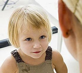 看手肘動作讀懂孩子的心理