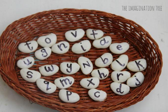 字母配对豆—国外幼儿学英语时玩的小游戏