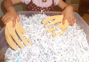 碎纸感官箱-活动区游戏
