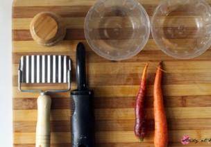 蒙台梭利 | 食物准备工作示范:切胡萝卜