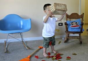 小班角色区扮演游戏—秋天的落叶