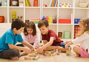 如何有计划有步骤的培养孩子玩玩具?