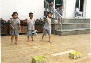 小班投掷体育游戏--无敌纸球