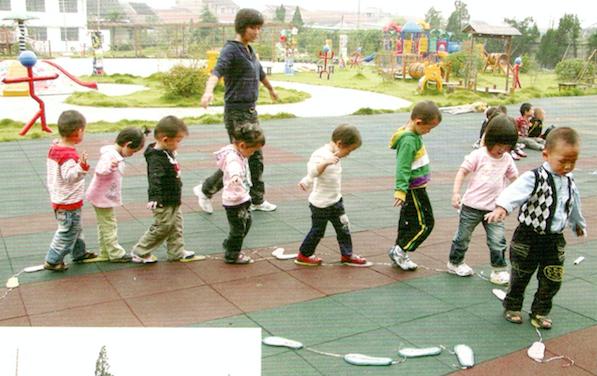 户外运动环境创设 | 无拘无束地嬉笑玩闹,才是童年该有的样子