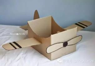 大纸箱变飞机