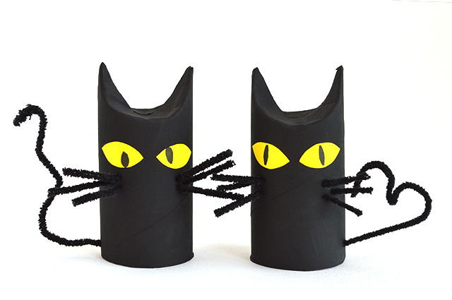 toilet-paper-roll-cat3