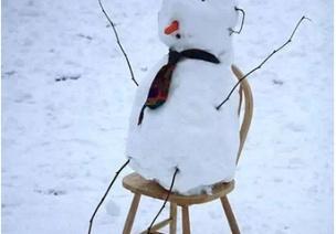 下雪天,最�m合的8���H子��意活�樱�