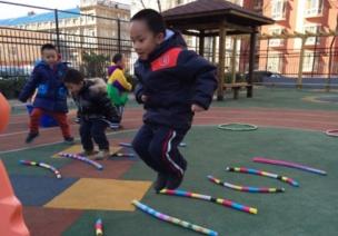 幼儿园体育课基础动作规范有哪些?