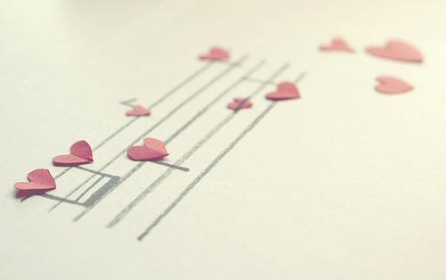 """【获奖论文】刍议空间开放,引导幼儿在""""支架式""""音乐活动中主动有效的学习"""