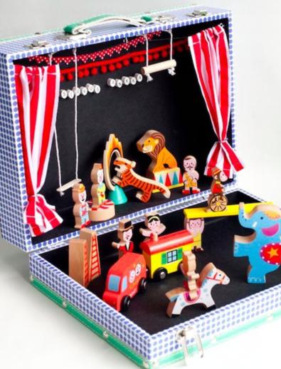 大班语言活动区游戏指导:小小故事盒