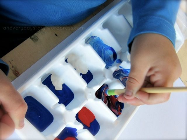 mixing-colours-in-a-reggio-paining-activity-an-everyday-story
