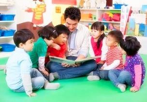 """巧用""""照片書""""培養小班幼兒的語言表達能力"""