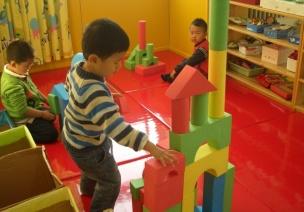 小班建构游戏影响因素和指导策略探析