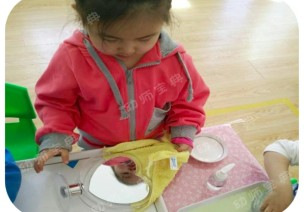 教育即生活 | 如何打造让小班幼儿流连忘返的生活区?