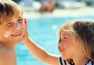 夏日旅游,宝宝防暑、防晒与防痱——秘籍全在这儿
