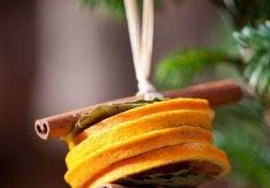 香味环创   橙子和香料在一起,竟能打造如此香气四溢的环创!