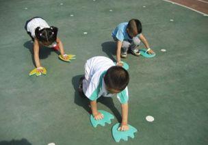 托小班 | 7款幼儿园托小班自制体育玩具及游戏教案