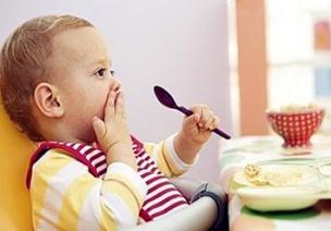 �孩子一副健康的�c胃