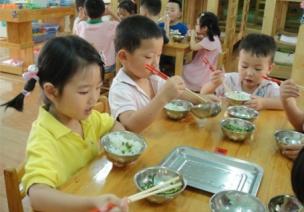 常规巧培养(五) | 进餐常见问题及解决(带儿歌、手指操)