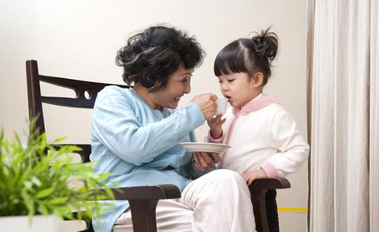 用案例告诉你,面对宠溺孩子的爷爷奶奶,我们该如何更好地沟通?