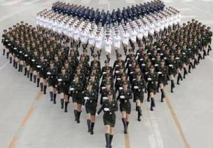 国庆节中班教案《小小阅兵式》,用游戏的方式培养爱国精神!
