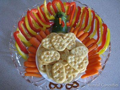 turkey-cracker-vegetable-tray
