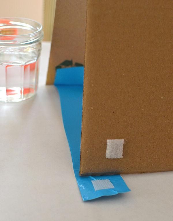 cardboard_easel12