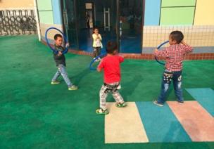 体育游戏   有趣的呼啦圈,一圈多玩!