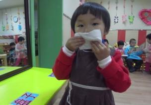 小班主題系列活動《小小手,大本領》——生活活動篇