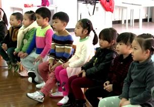 获奖公开课视频 | 中班艺术领域音乐游戏《小老鼠和泡泡糖》