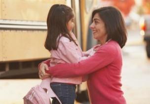 小班社会教案 | 爱的抱抱