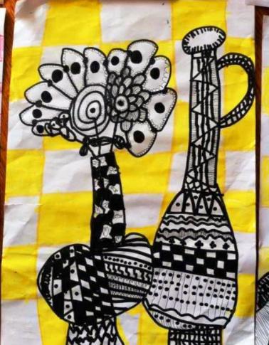 美术点线面教案_教案   中班艺术领域绘画活动《花瓶线描画》-幼师宝典官网