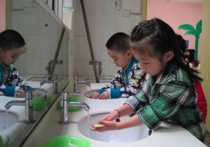 践行《指南》,开展幼儿良好生活习惯养成教育