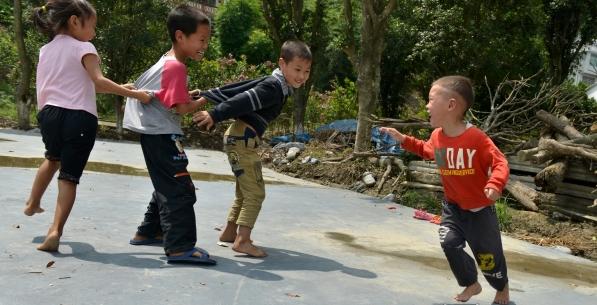 暑期家庭活动   带孩子一起重拾童年的快乐