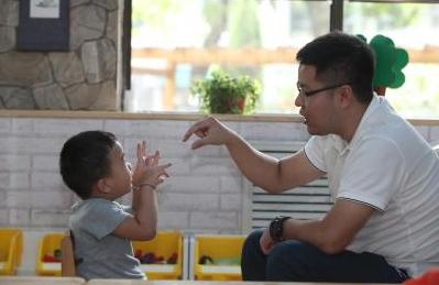手指操   幼儿园值得珍藏的45种手指操