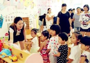 分离焦虑 | 要想孩子尽快适应幼儿园,家长老师需做这些准备